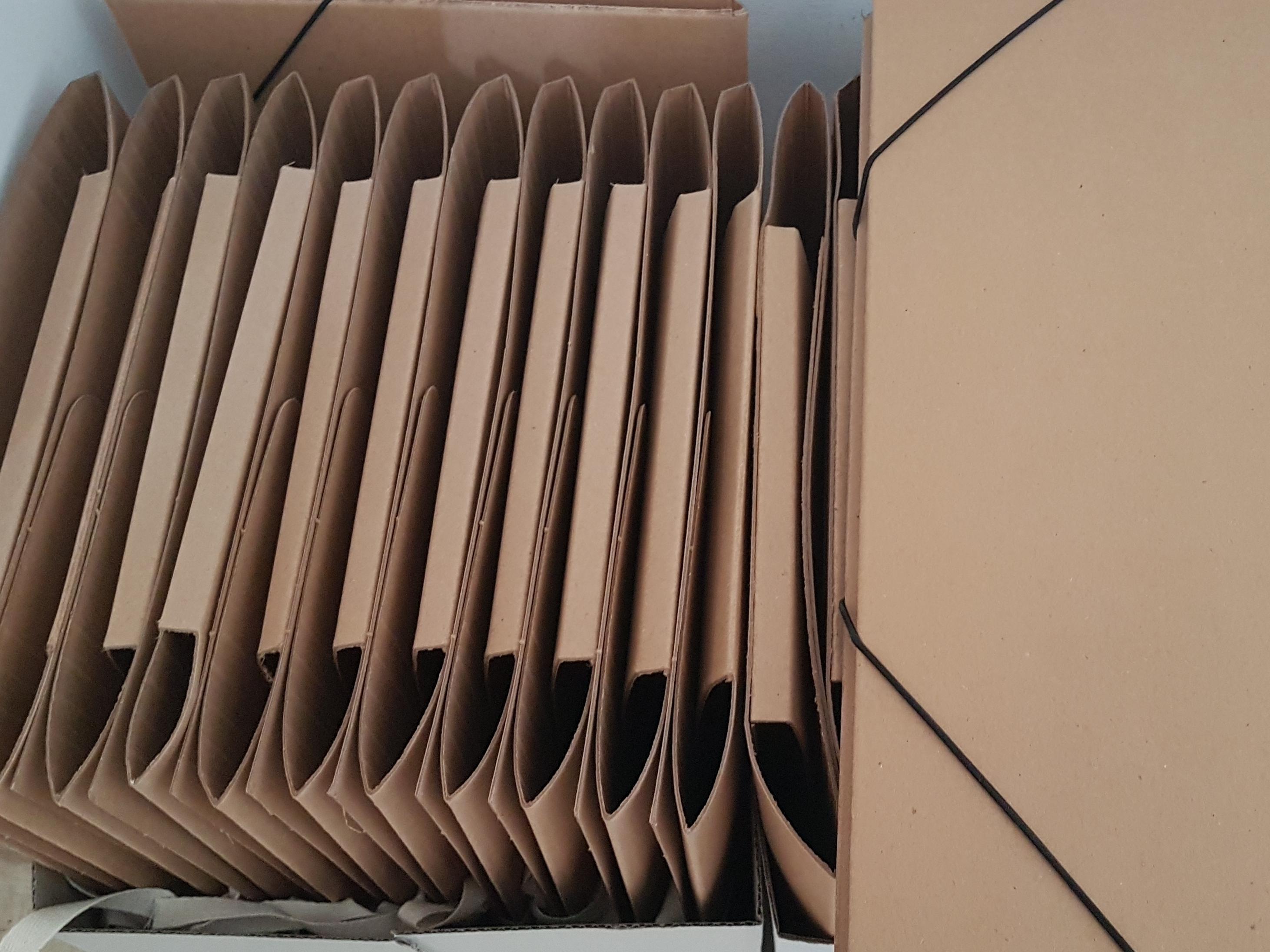 Tanie teczki kartonowe